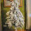 Piękna choinka świąteczna biała