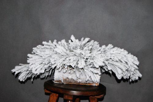 Naturalny podkład pod stroik śnieżony