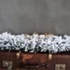 Podkład pod stroik świąteczny biały pokryty śniegiem